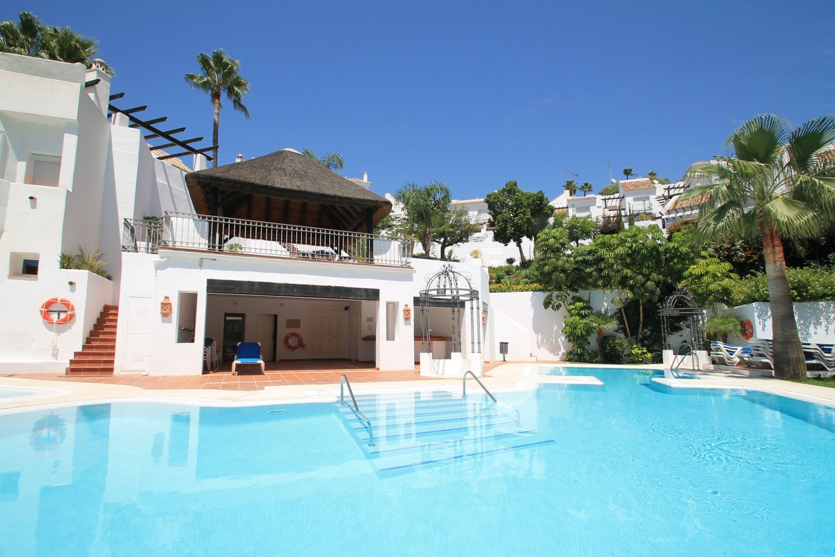 Immaculate three bedroom South facing townhouse located in the stunning urbanization of Zahara de Is,Spain