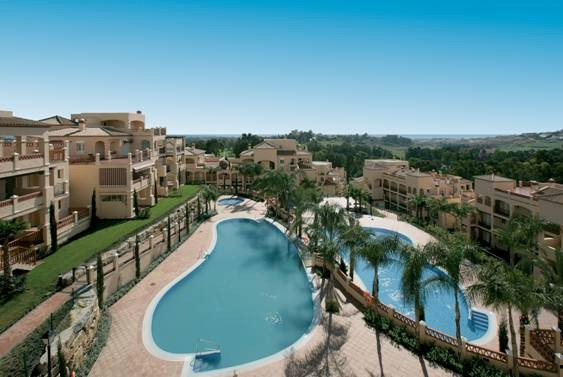 ATALAYA ALTA: This penthouse is situated within a luxurious gated frontline golf complex that provid,Spain