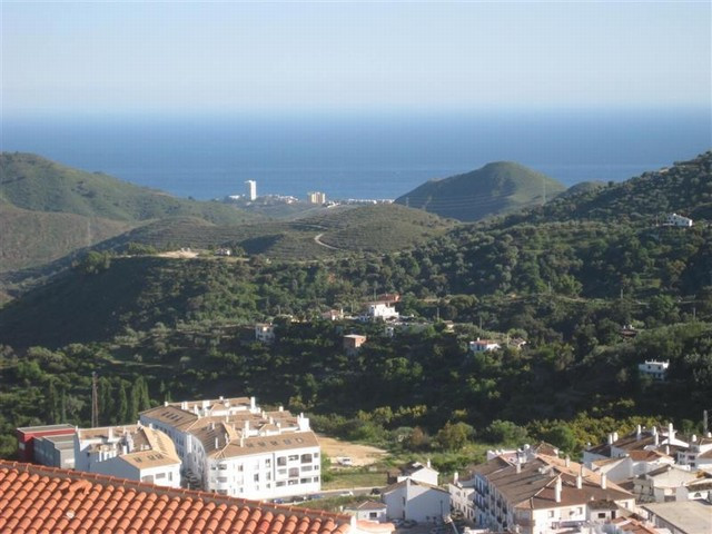 A spacious and bright apartment with magnificent views to the sea and mountains, the property compro, Spain
