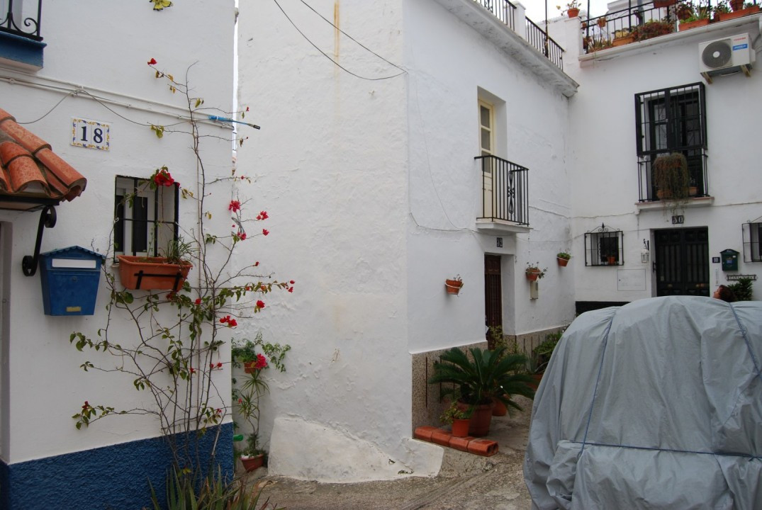 Townhouse Torrox  Authentic townhouse to renovate This ancient townhouse has lots of possibilities t, Spain