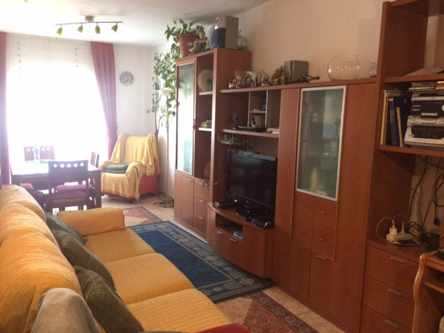 Apartment fully furnished and ready to move in, located in Las Lagunas, Mijas. It is a second floor , Spain