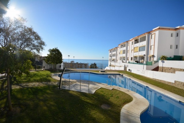 Cozy apartment with 2 bedrooms and 1 bathroom, walking to the beach in Carvajal, with sea views, ten, Spain