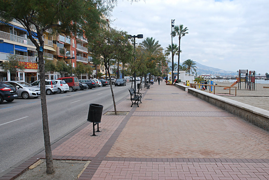 Large business with terraces in The First Line Fuengirola's Maritime Walk Local: restaurant, con, Spain