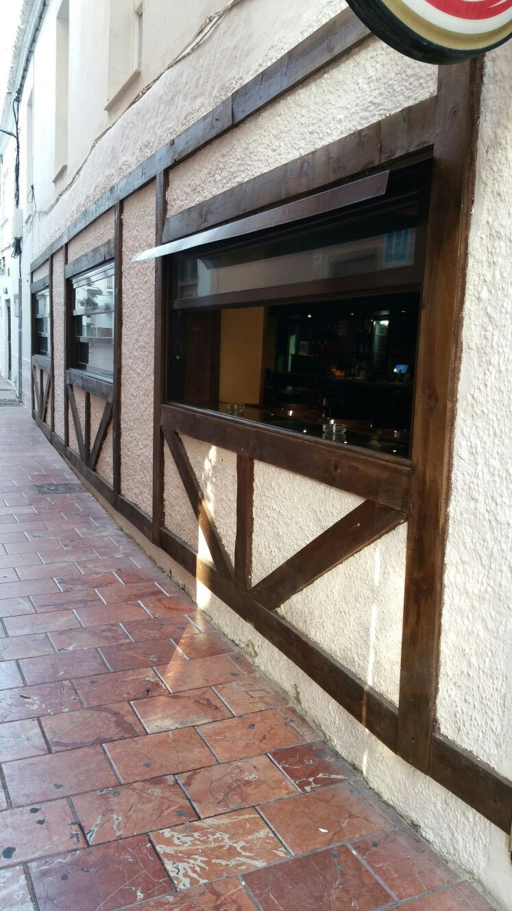 If your business is investment this is the right place for you.   A pub in a place where tourism is ,Spain