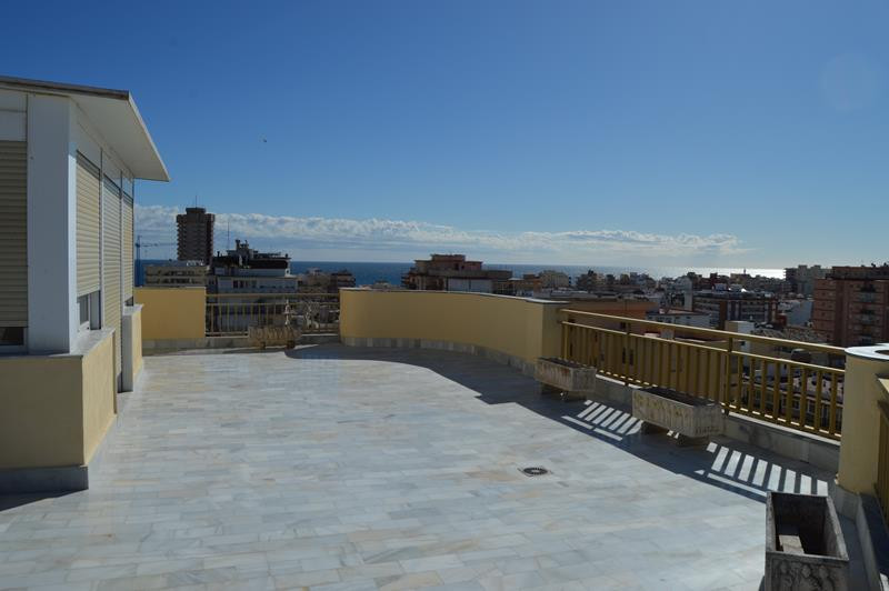 SOUTH-FACING PENTHOUSE IN THE CENTRE OF FUENGIROLA WITH UNBEATABLE VIEWS OF FUENGIROLA AND THE MEDIT, Spain