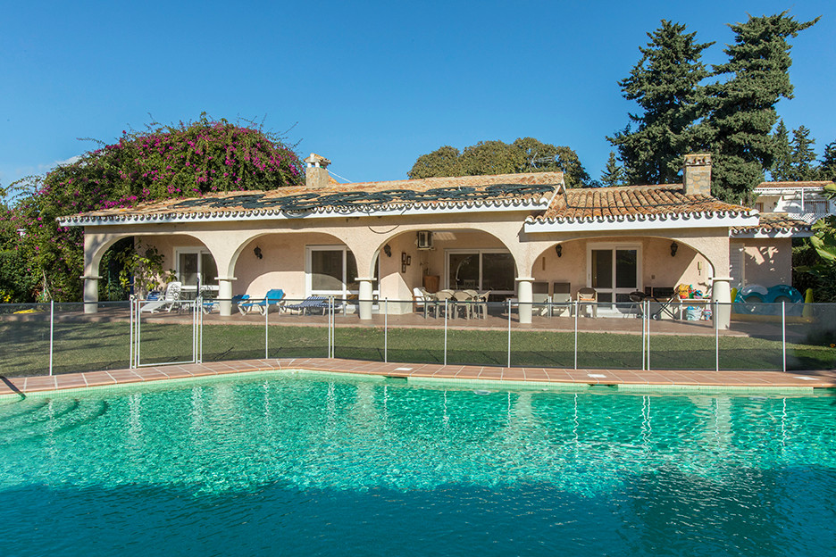 Lovely villa on one level walking distance to the beach in Atalaya Park only a short drive away from,Spain