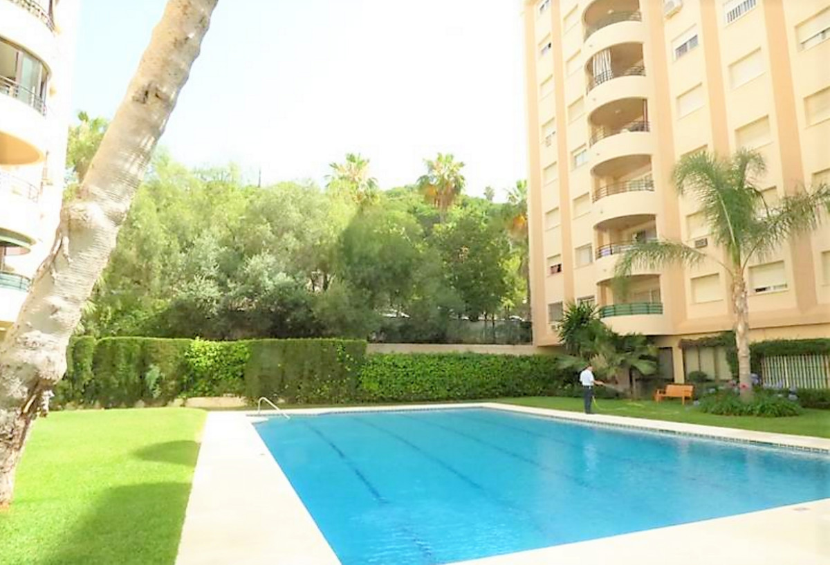 !! BEAUTIFUL 1 BEDROOM FLAT CENTRAL !! Spacious 1 bedroom apartment in Marbella center, bathroom ins, Spain