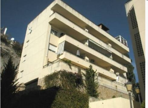 Apartment located within walking distance from restaurants and shops at Calahonda with 2 bed, 2 bath,Spain