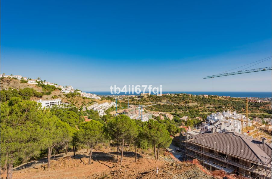 Fantastic plot of 3.456 m2, with unbeatable views to the sea and mountains, located in the exclusive, Spain