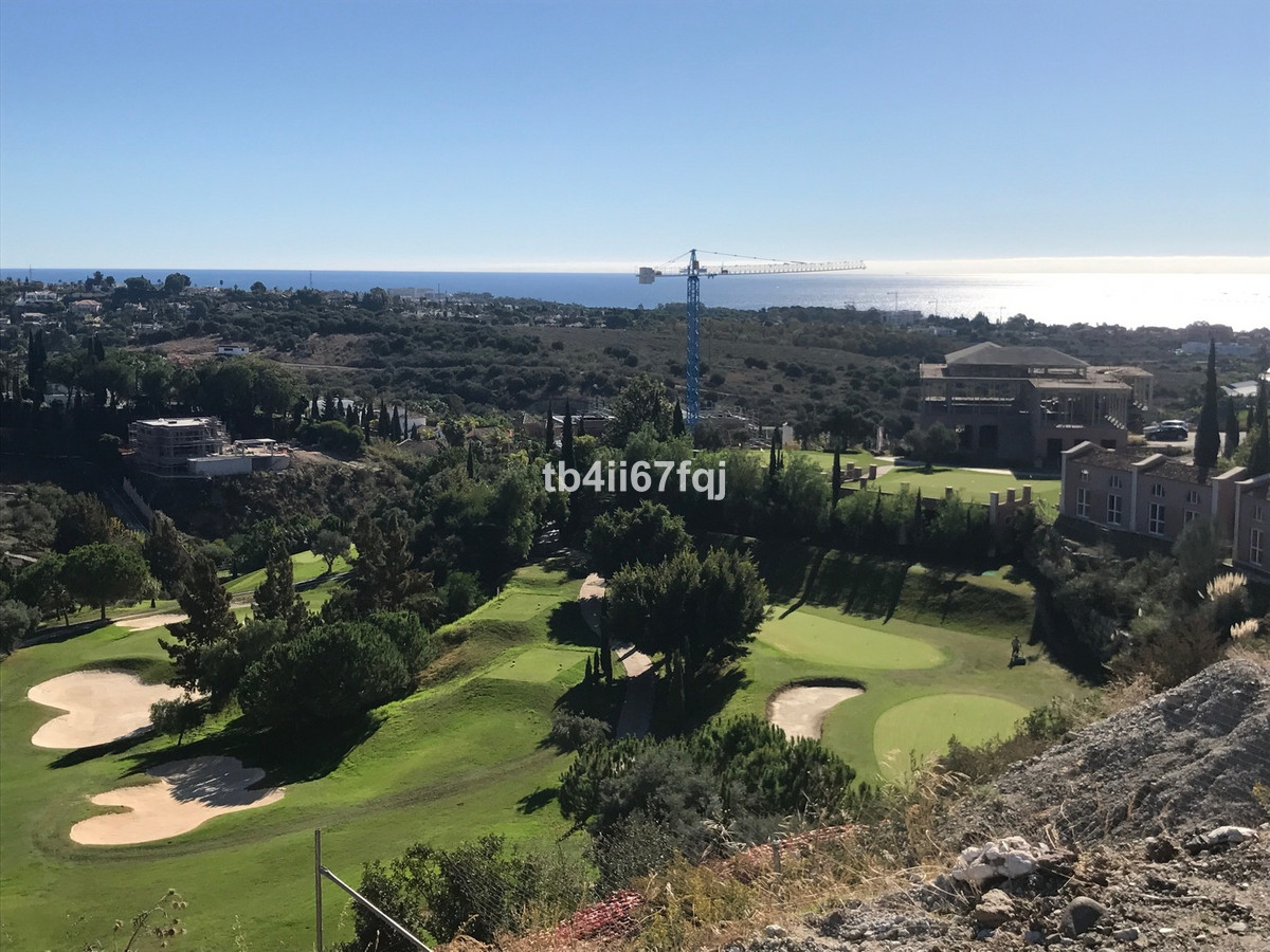Fantastic plot of 1407 M2, located in the exclusive urbanization of Los Flamingos Golf Resort, Benah, Spain