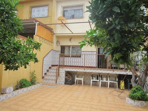TOWNHOUSE - very spacious, 4 bedrooms/ two baths, with 140m2 of housing plus a porch of 21m2, plus a,Spain