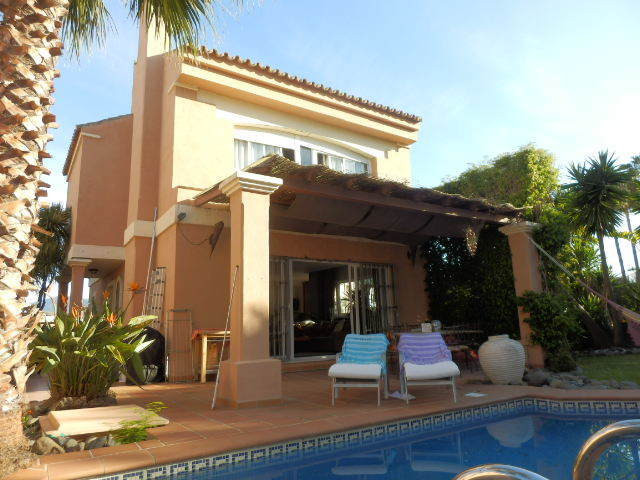 BEACH SIDE VILLA    A bargain like this one is hard to come by. An independent villa, beach side alo,Spain