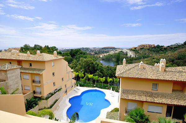 Pretty residential project of luxury, located in the Golf Valley of Nueva Andalucia close to San Ped, Spain
