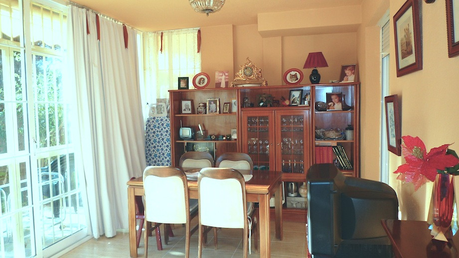 REAL BARGAIN ground floor apartment in Calahonda Royale area, 85m2 livable area, 35m2 private garden, Spain