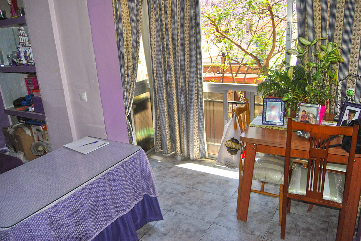 For sale a 2 bedrooms, 1 bathroom flat with 3m2 terrace, kitchen equipped. on a second floor of a bu,Spain