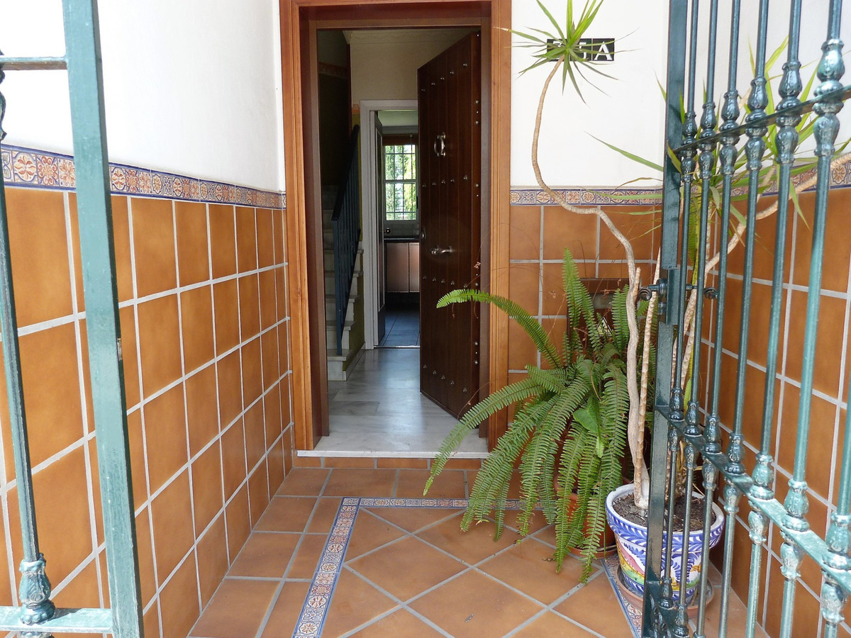 Opportunity to buy a VPO in Marbella.  Located in El Cenit urbanization, this house is surrounded by,Spain