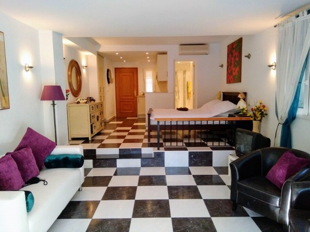 Fantastic studio apartment, very well furnished, located in one of the best complexes of the coast s, Spain