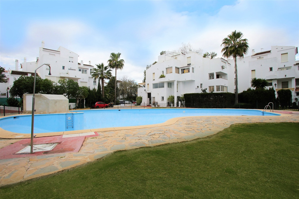 Charming two bedroom south west facing penthouse in the gated urbanisation Parque Elviria; just a sh,Spain