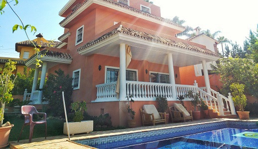A stunning and beautiful 6 bedroom villa in the heart of Nueva Andalucia. Walking distance to Puerto, Spain