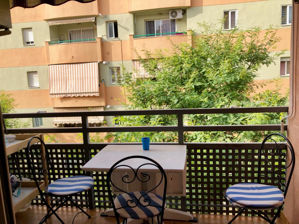 Beautiful and spacious apartment with 3 bedrooms and 2 bathrooms in Pinillo Torremolinos. Well maint, Spain