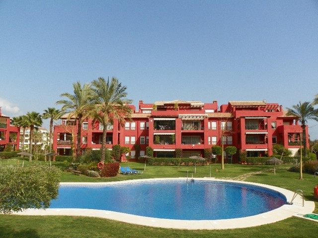 This fabulous 4 bedroom duplex penthouse is situated in the sought after area of Mijas Golf. The pro,Spain