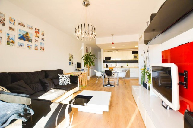 A bright and modern 2 bedroom, ground floor apartment in the centre of Benalmadena Pueblo.  The dist,Spain