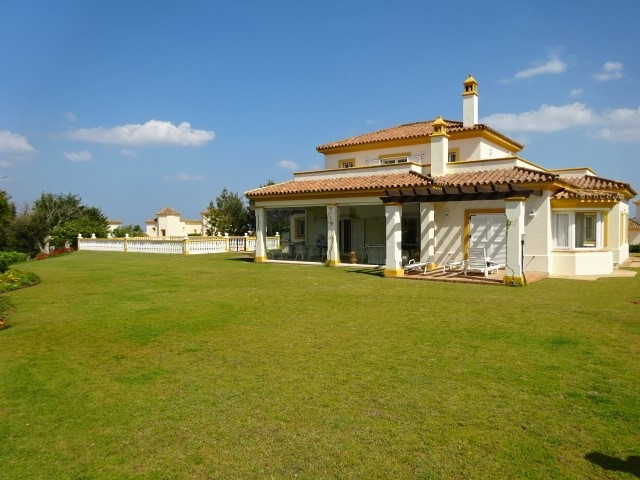 San Roque Golf:  4 bed/3 bath villa located on the highest point of San Roque Club affording views t,Spain