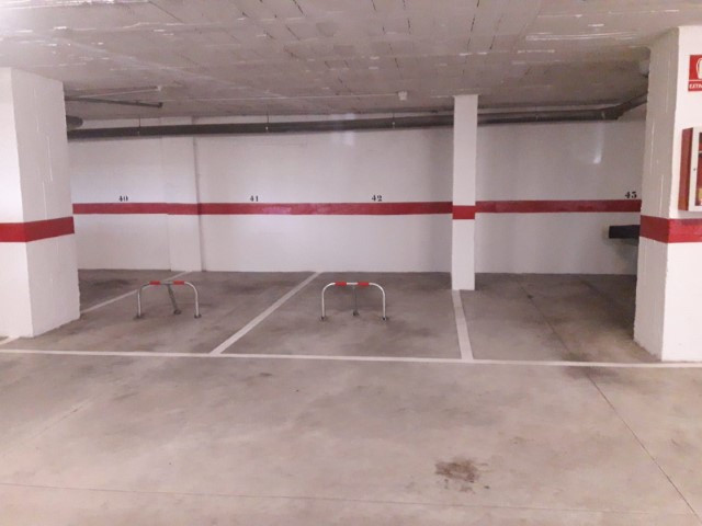 Garage space of 12.50 m2, n 42 for sale 10.000 € alone or 32.000 € the 3 parking spaces 41,42,43 is , Spain