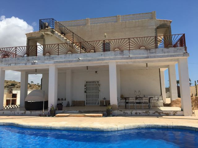 Striking villa with 5 bedrooms, 8 minutes from El Campello and the beach promenade with contemporary,Spain