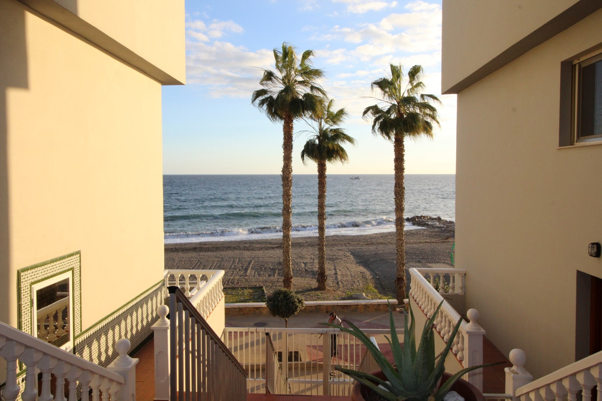 Fantastic duplex in first-line of beach, in Mezquitilla, municipality of Algarrobo Costa. The proper, Spain