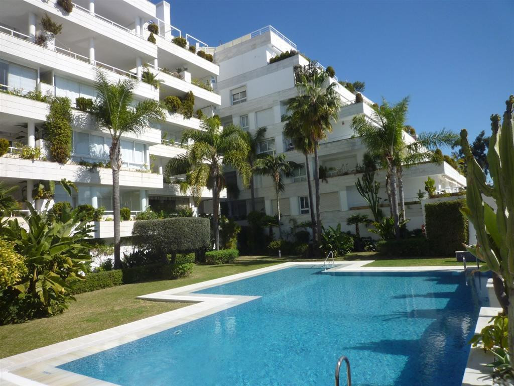 Apartment in the center of Marbella, in one of the best urbanization in front of the beach. It offer, Spain