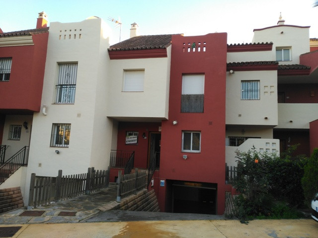 Beautiful townhouse on 2 storey with private garage in the basement located in a complex with pool a, Spain