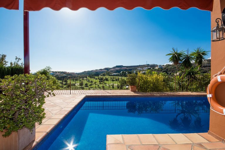 Amazing Villa located in La Alqueria, Benahavis with 319 m2 builted on a plot of 544 m2 with South-w, Spain