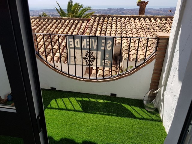 Nice townhouse in Mijas Pueblo, Malaga FOR SALE!  Located in a quiet urbanization in the center Mija, Spain