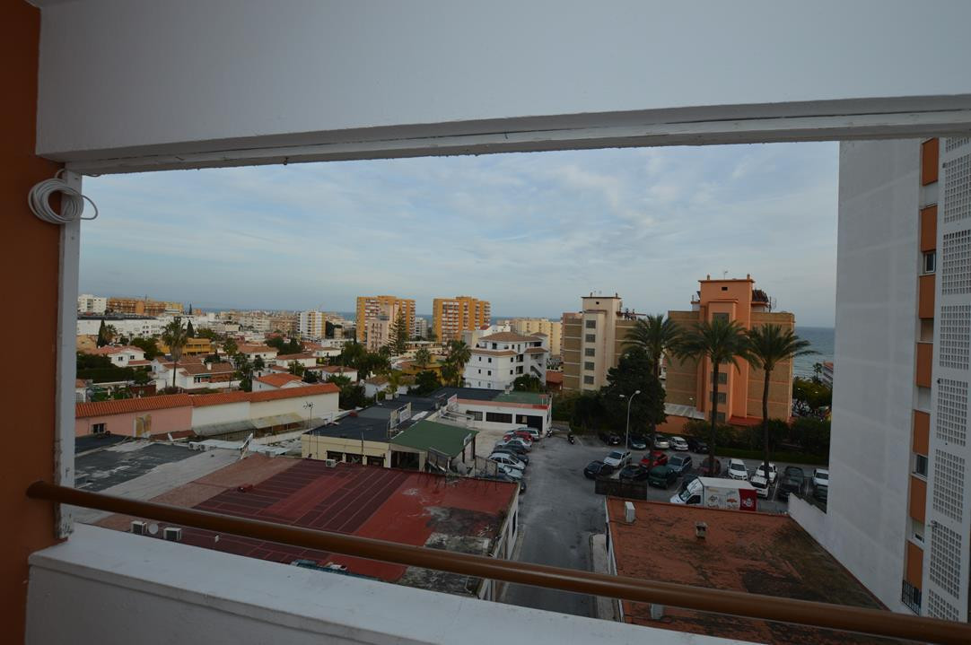 Bright top floor apartment with panoramic urban and sea views conveniently located in the center of , Spain