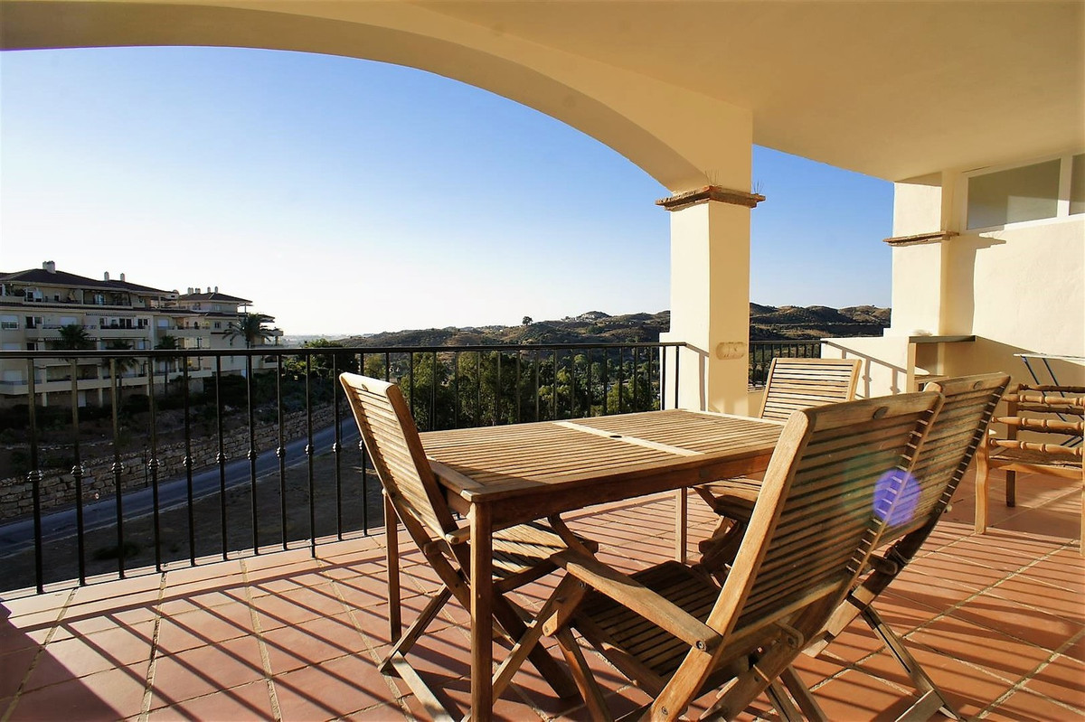 Lovely and spacious corner apartment with a big, South/southeast facing terrace. The apartment was r,Spain