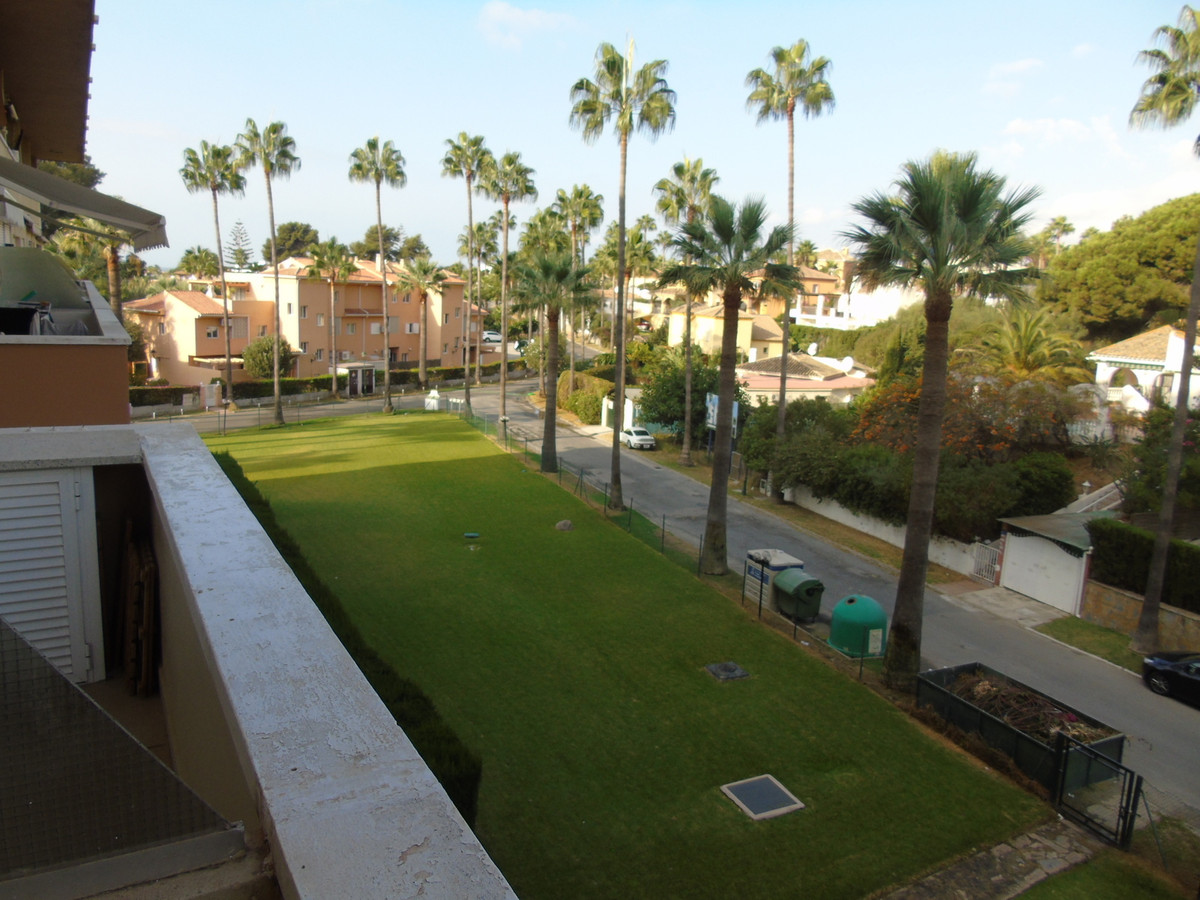 Duplex ideal due to the location. Next to dune beaches like Artola and Marbesa considered as the bes,Spain