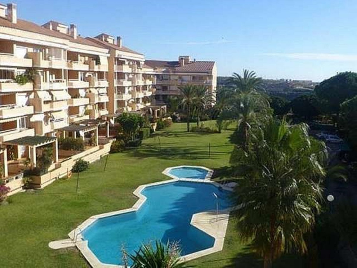 Magnificent ground floor apartment of 120 m² in gated urbanization with pool and gardens of 2 bedroo, Spain