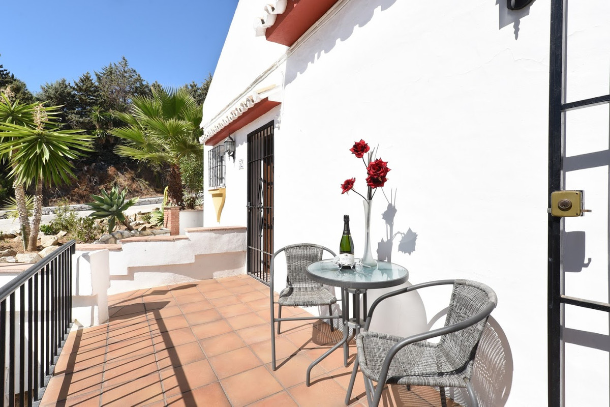The apartment was completely renovated in 2014 and equipped with new kitchen, new bathroom, new floo,Spain