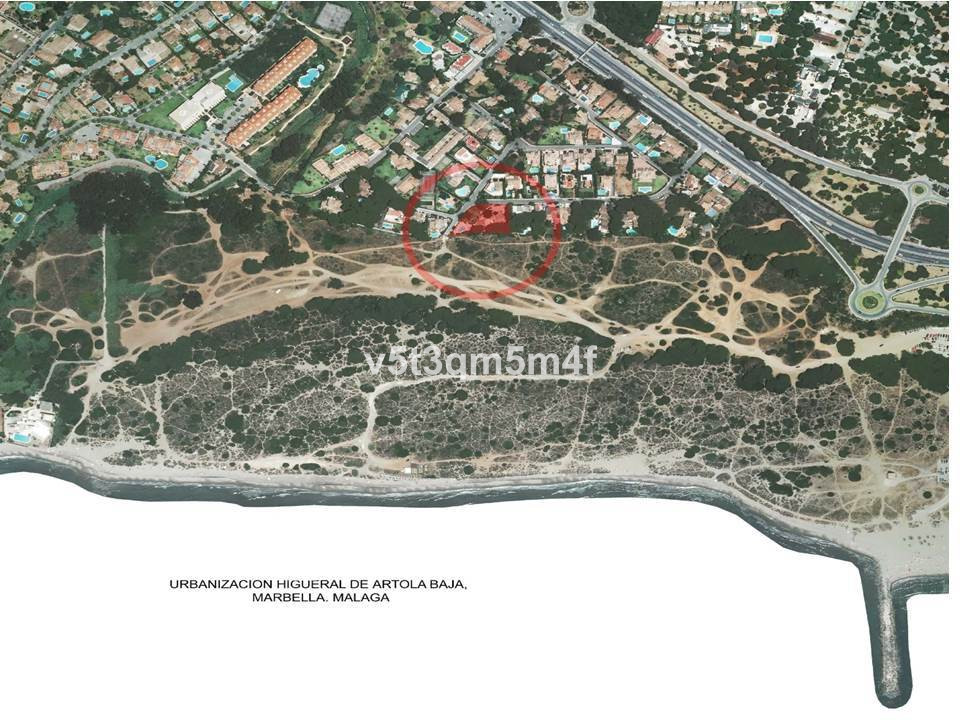 Excellent plot of over 2000 m2 in first line of beach. Between the plot and the sea are only the dun,Spain