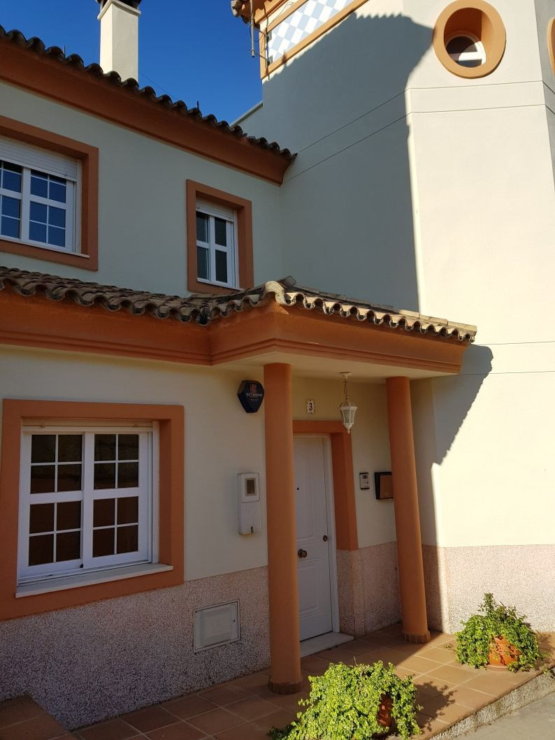 Spacious Townhouse near Siesta Golf in Calahonda, Costa del Sol. Spread over 4 levels, this house ha,Spain