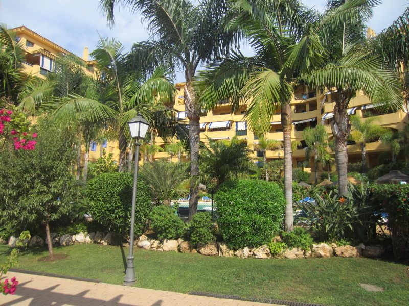Nice and inmaculated first floor apartment situated in a gated development walking distance from San, Spain