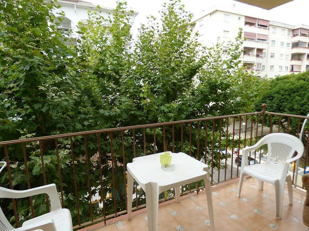 It is a large flat with a perfect location in FERIAL AREA. Very bright and spacious with 87 m2 usefu,Spain