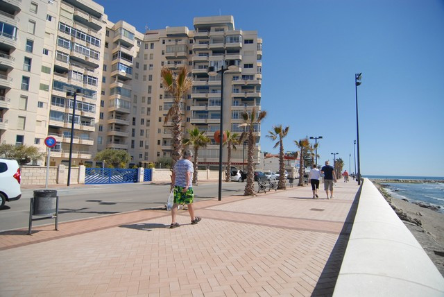An amazing frontline beach apartment on the 8th floor overlooking the promenade of Fuengirola. This , Spain