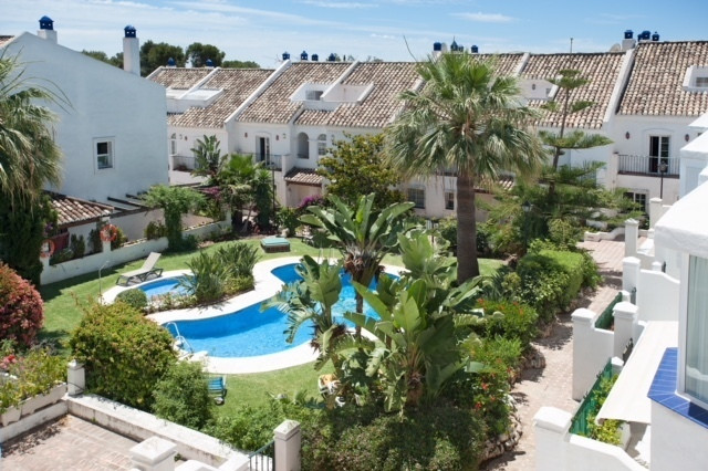 Excellent location on The Golden Mile!  3 bedroom townhouse in a gated complex located in a resident, Spain