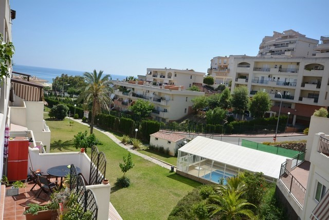 Middle Floor Apartment, Torrequebrada, Costa del Sol. 2 Bedrooms, 1 Bathroom, Built 89 m², Terrace 1, Spain