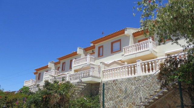 Originally listed for 315,000€ and recently reduced to 290,000€. Very bright and lovely south orient,Spain