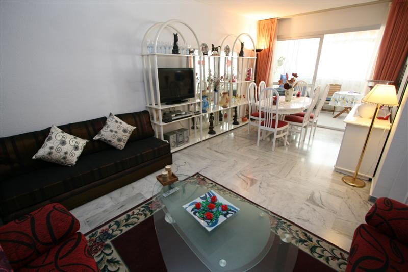 A lovely two bedroom, one bathroom apartment situated in a very central area in Fuengirola near all , Spain