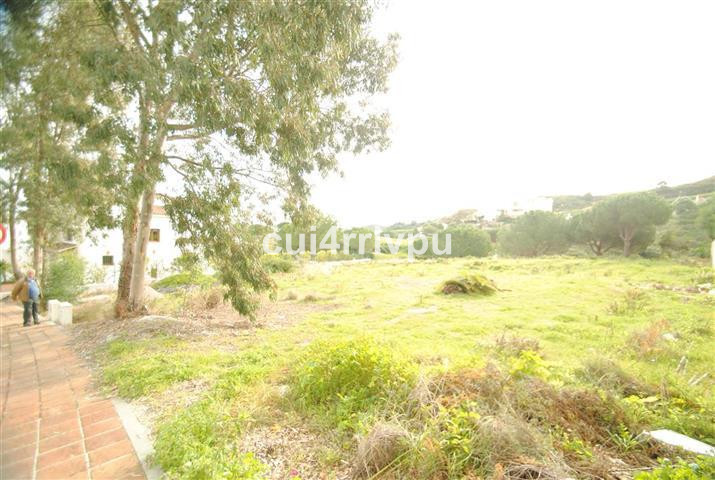 Great plot in the prestigious urbanization of La Cala Golf Resort and right on the golf course and w,Spain