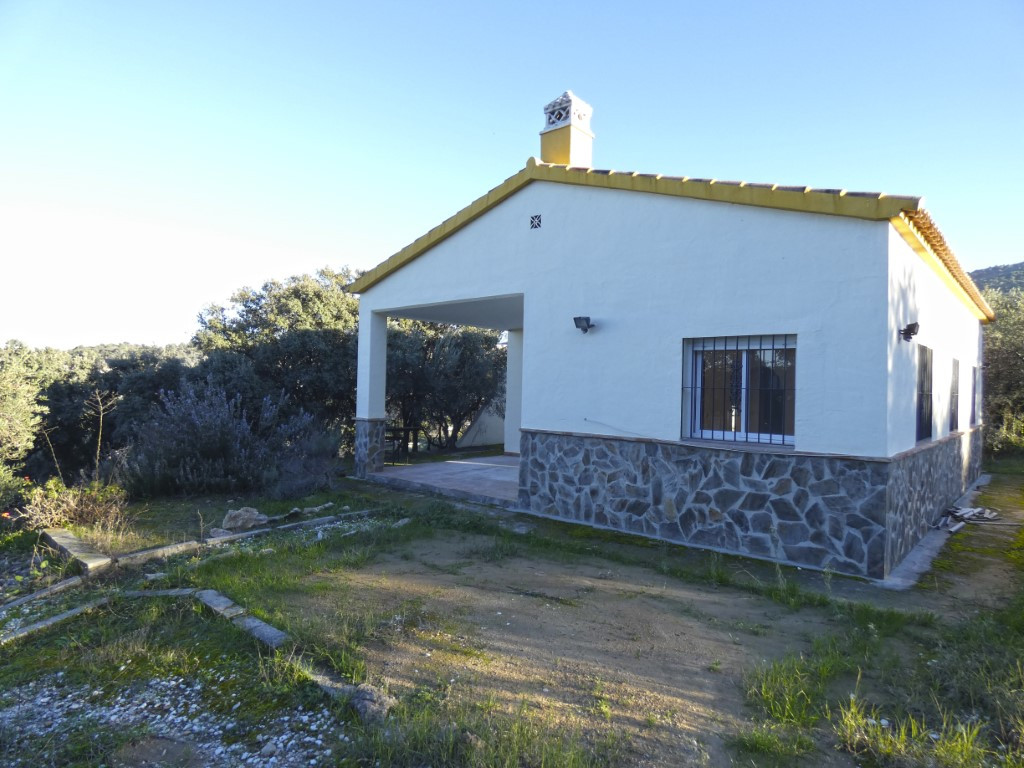 Country house in Coin with beautiful and open views. The property comprises 2 bedrooms, a bathroom, ,Spain